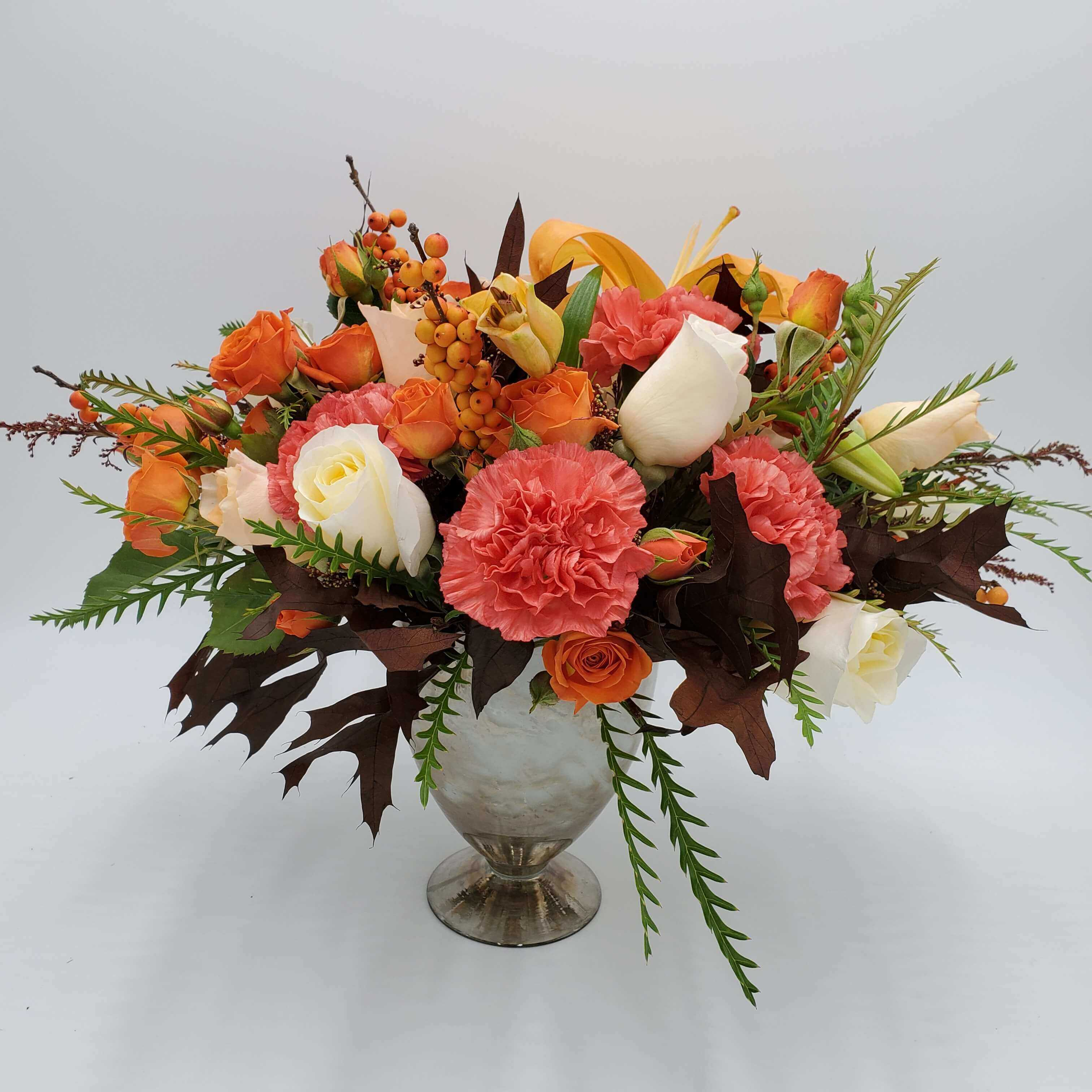 Traditional Fall colored centerpiece